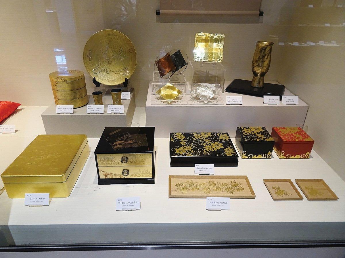 金箔和金箔漆器。(王知涵/大紀元)