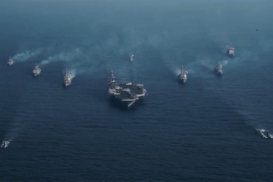 4月8日,原計劃駛向澳洲的美軍「卡爾文森」號航母戰鬥群突然改變航向,駛往西太平洋朝鮮半島附近海域。該航母戰鬥群包括「卡爾文森」號航母、多艘導彈驅逐艦和一艘導彈巡洋艦。(視像擷圖)