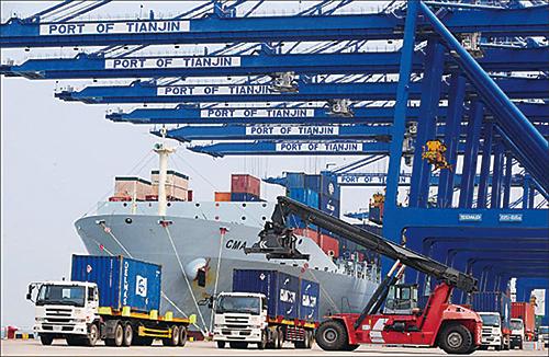 2016年全年,美國對華貿易逆差減少了201億美元,同比降幅達到5.5%。圖為天津港口。(Getty Images)