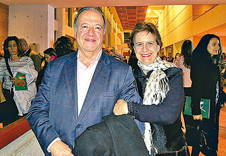 社會學家Antonio Jose Uribe稱神韻是最好的演出。(林南宇/大紀元)