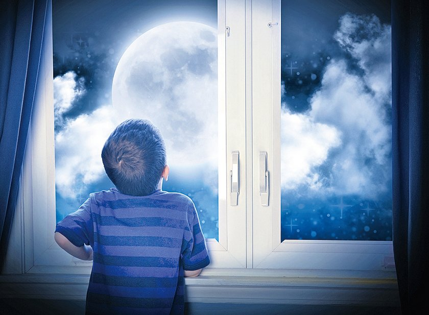 【心靈陽光】看月亮的男孩