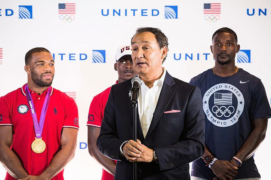 聯合航空總裁發表「深刻道歉」 承諾檢討政策
