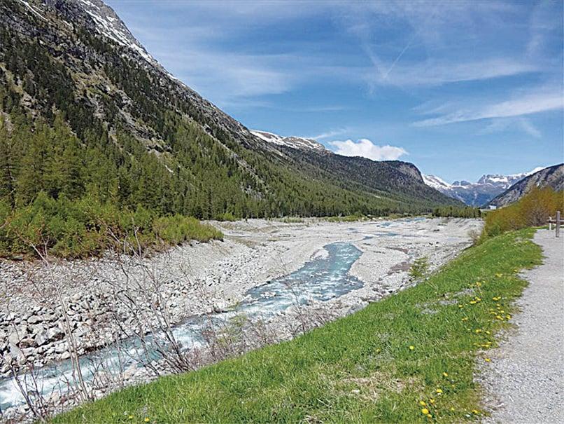 最終冰川融水將匯入多瑙河進入黑海。