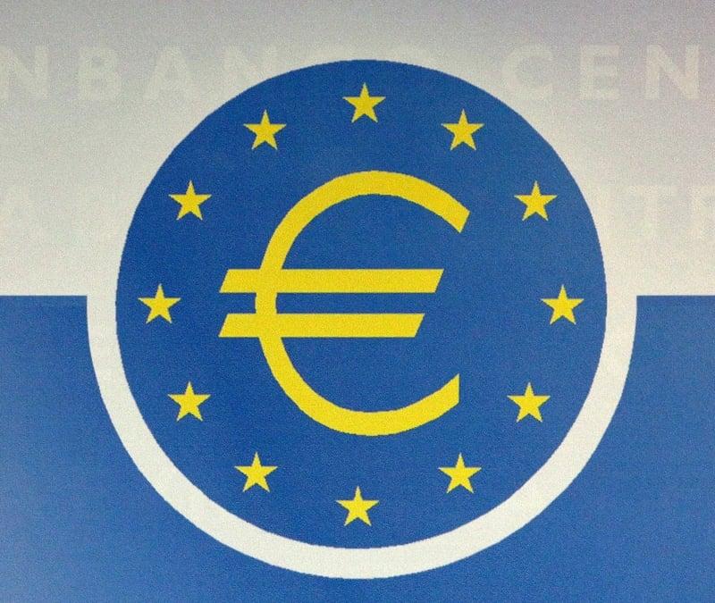 凱投宏觀公司(Capital Economics)經濟師羅尼斯說:「歐洲央行已經暗示,將在即將到來的會議中,更進一步放寬貨幣政策。」(AFP)