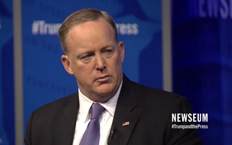 白宮新聞官斯派塞(Sean Spicer)12日做客華盛頓新聞博物館時說,特朗普的「推特新聞」讓希望控制消息的媒體感到手足無措,同時開啟了信息民主化的道路。(Newseum官網)