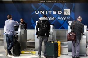 為平息風波 聯合航空對事發客機乘客全額退費