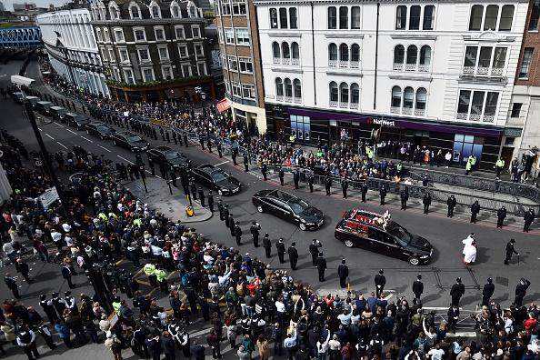 超過五千名警察以及上萬普通民眾為殉職的帕爾默警官送行。(Hannah McKay – Pool Getty Images)