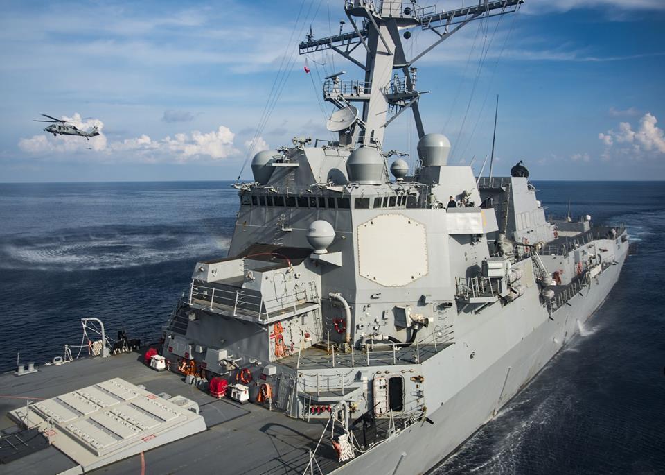 卡爾文森號航空母艦戰鬥群持續發佈演習照片,威懾北韓。(USS Carl Vinson Facebook)