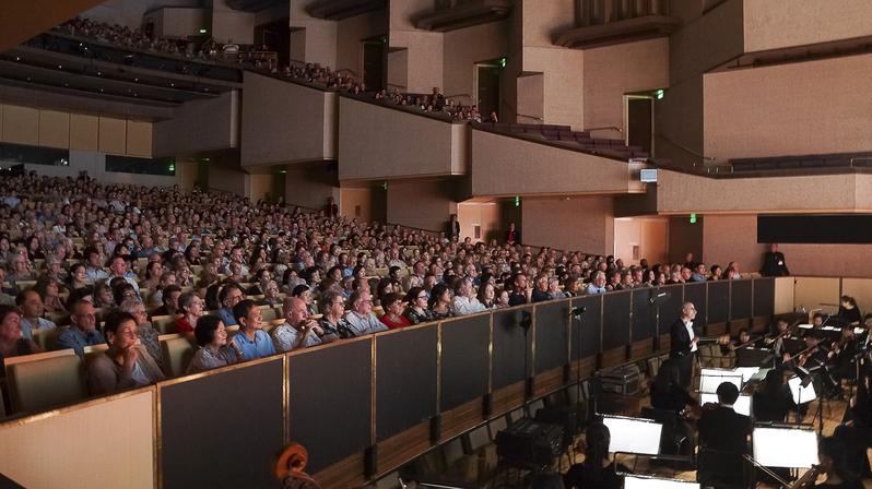 神韻布里斯班爆滿加座 音樂界盛讚啟迪心靈