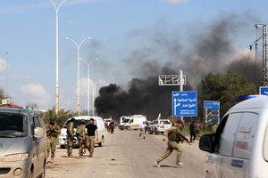 汽車炸彈襲敘利亞撤離車隊 至少百人死