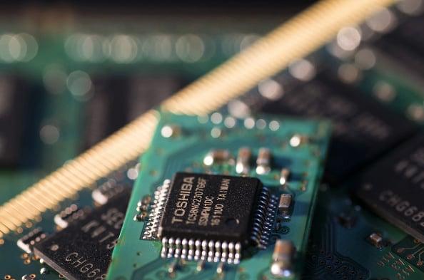 快閃記憶體現在已經深入人們的生活,是電腦、手機及遊戲機上不可欠缺的電子零件。(Getty Images)