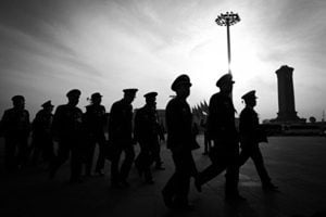 中共軍改裁員 逾十萬人轉任公務員
