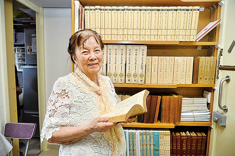 黃競新教授出版有關甲骨文的書籍。