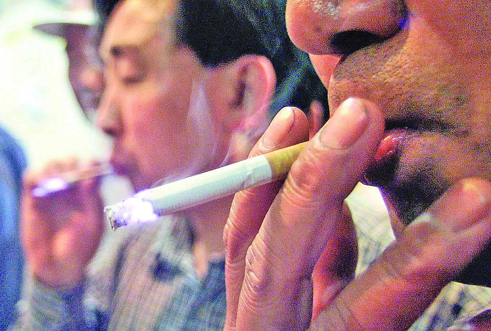 WHO和UNDP表示,中共對源自煙草企業收入的依賴與其宣稱的打造「健康中國」的口號背道而馳。(AFP)