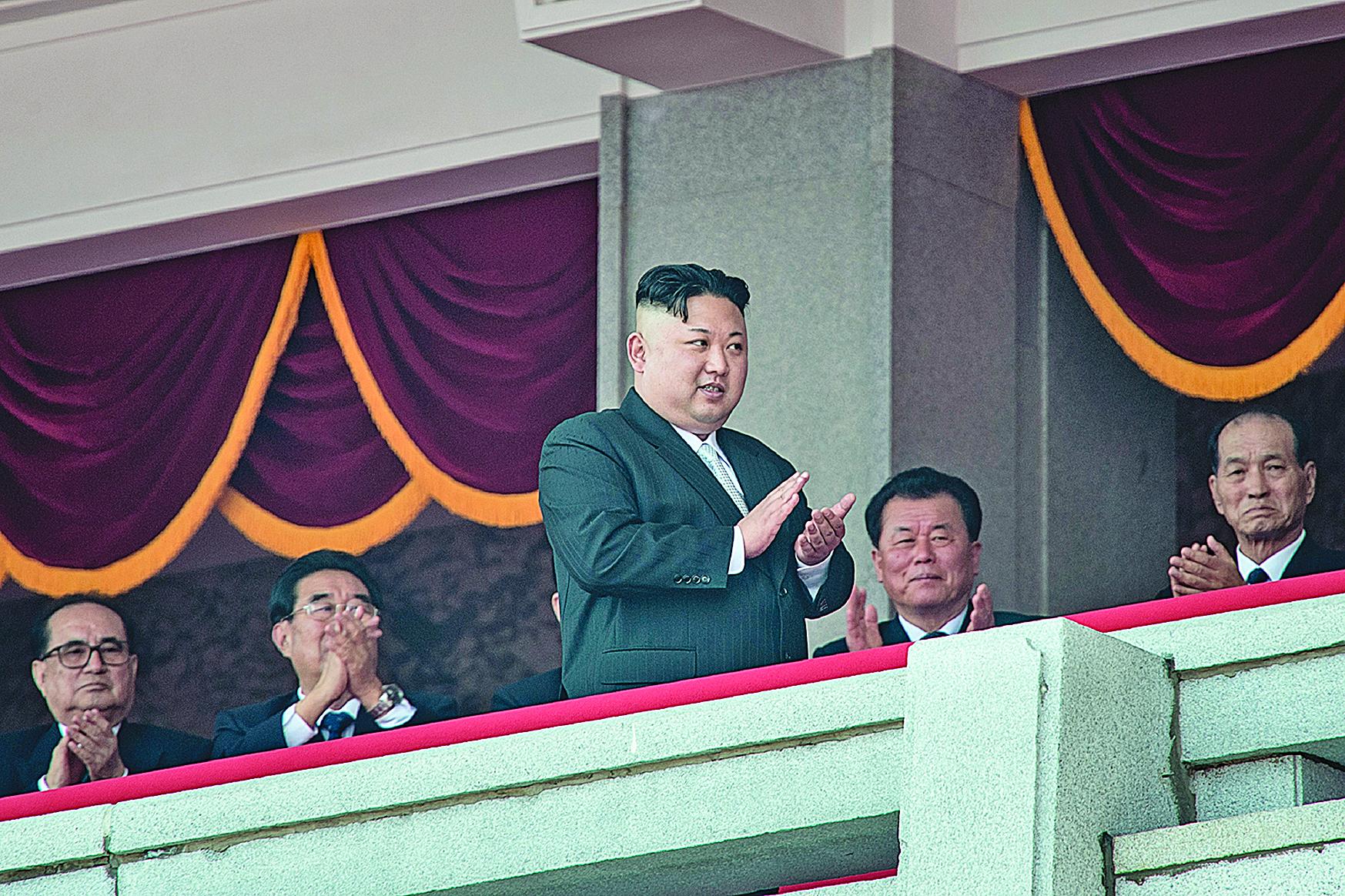 金正恩用核試驗挑釁國際社會,朝鮮半島危機一觸即發。4月15日,金正恩在北韓閱兵式上。(Getty Images)