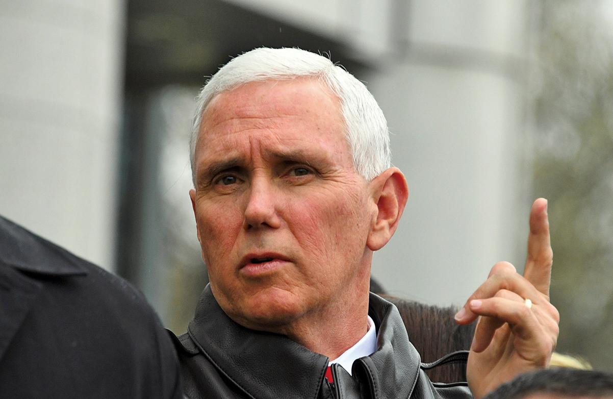 美國副總統彭斯(Mike Pence)對網攻致北韓試射失敗之說,未正面回答,僅表示「沒有評論」。(AFP)