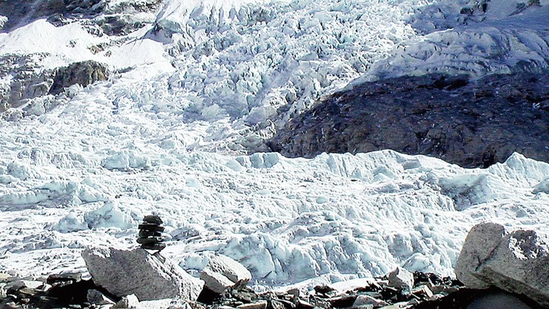 英國科學家將首度前往聖母峰探鑽全球最高的冰河。(Flickr)