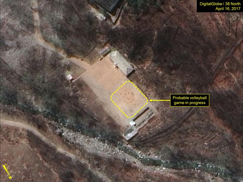 北韓核試地點有人玩排球 金正恩放煙霧彈?