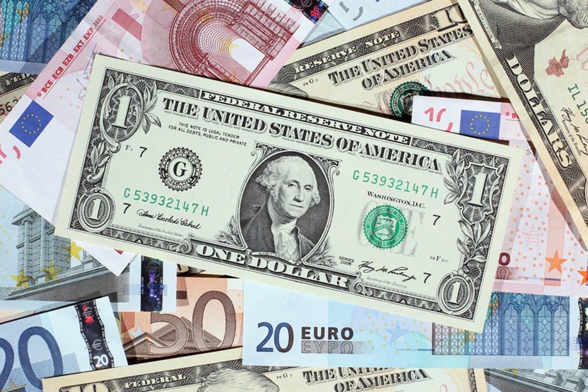 由於歐洲和新興市場的企業獲利增幅超越美國企業,美林證券調查顯示,基金經理人的佈局正由美股轉向其它市場。(Dan Kitwood/Getty Images)
