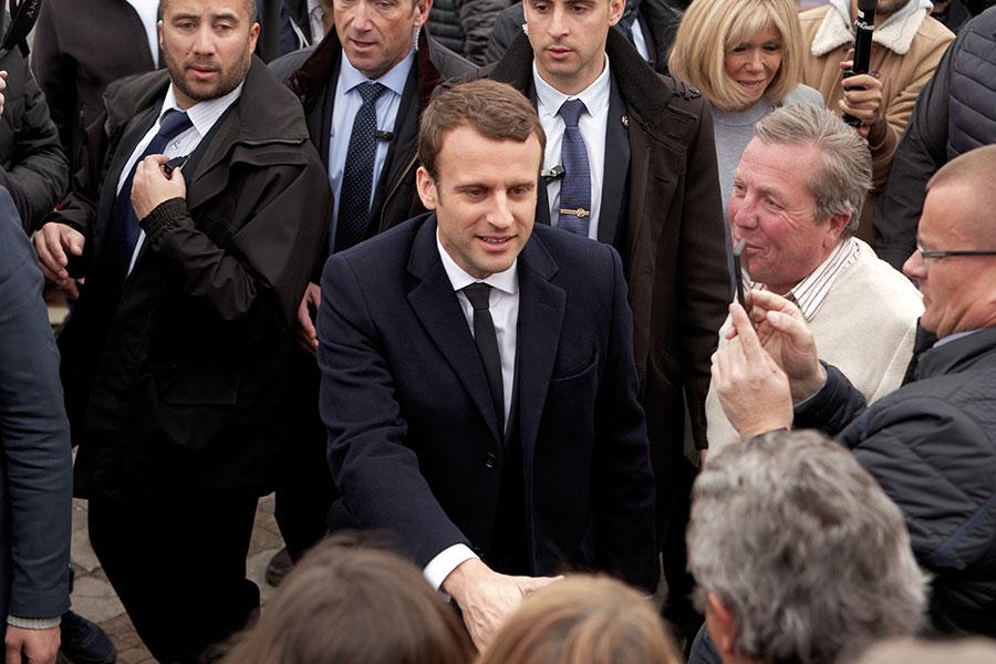4月23日,總統候選人馬克隆在圖庫特投票站參加第一輪投票。(Sylvain Lefevre/Getty Images)