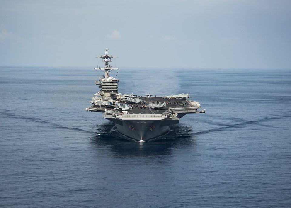 日本海上自衛隊說,兩艘日本驅逐艦周日(4月23日)與正駛向朝鮮半島水域的美國「卡爾文森號」航空母艦戰鬥群在西太平洋展開聯合軍事演習。圖為卡爾文森號航空母艦資料圖片。(卡爾文森號Facebook專頁/facebook.com/USSVINSON/)