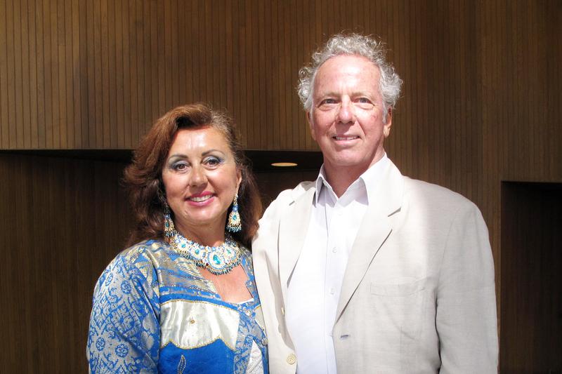 多媒體藝術家Ron Croci和太太Michele尤其被神韻的精神信息所感動。(劉菲/大紀元)
