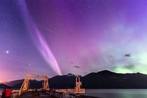 地球大氣層出現神秘帶狀光束 成因是謎