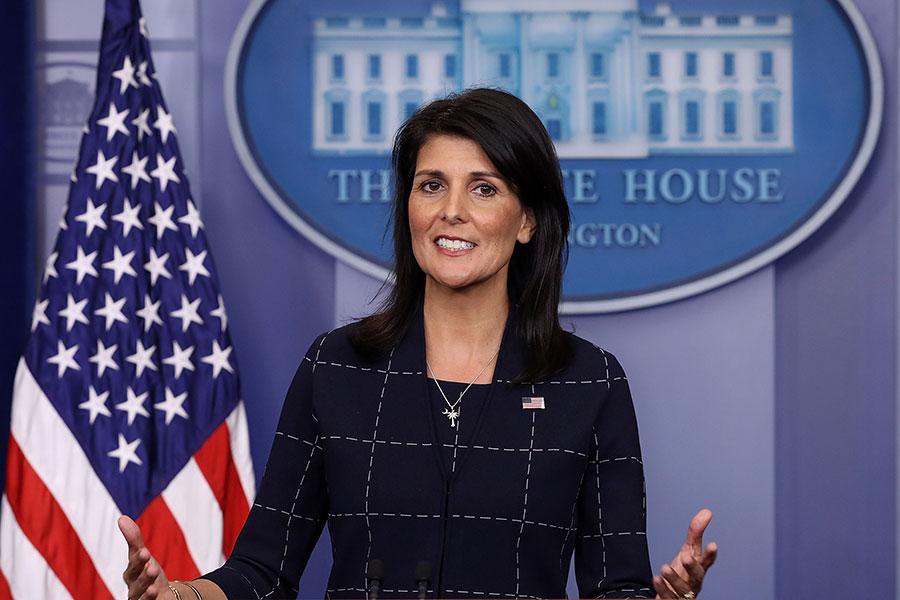 美國駐聯合國大使黑利周二(5月16日)說,她認為美國駐以色列大使館應該搬到耶路撒冷。(Chip Somodevilla/Getty Images)