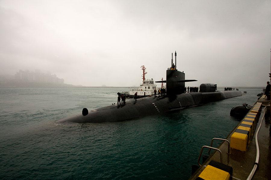 圖為2011年美國密歇根號潛艇(USS Michigan)停靠南韓釜山港。(維基百科)