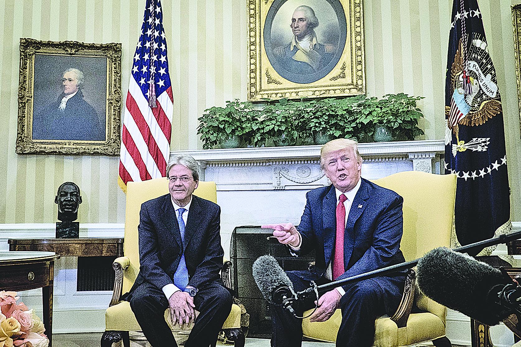 4月20日,特朗普在和意大利總理聯合舉行的新聞發佈會上說:「過去兩三個小時,(北京)已經出現一些非比尋常的舉動。」(Getty Images)