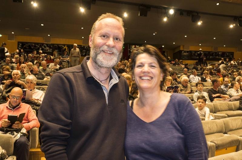 4月25日,法國教育官員M Dominique Gégot夫婦觀看了神韻在法國蒙彼利埃的演出。(金湖/大紀元)
