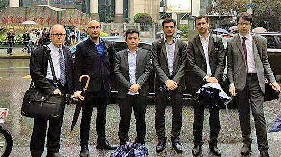 逾百維權人士到場聲援 律師謝陽案最終未開庭