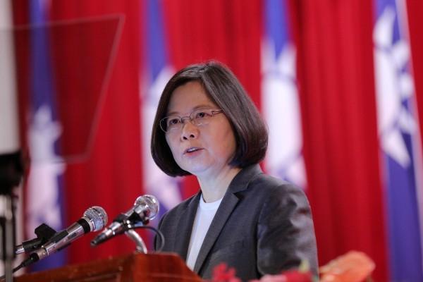 中華民國總統蔡英文4月27日接受「路透」訪問時表示,她不排除有機會跟美國總統特朗普本人能夠通電話。(總統府資料照)
