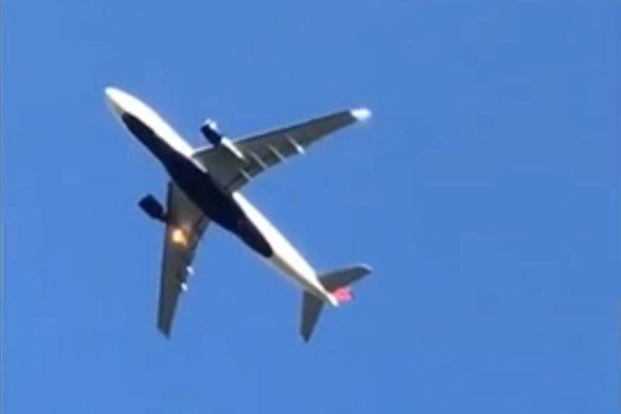 4月28日,達美航空一航班從北京起飛後著火緊急返航。(視像擷圖)