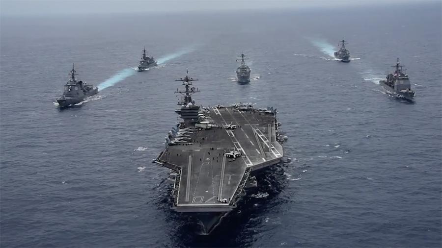 4月29日(周六)美國卡爾文森號航母戰鬥群抵達朝鮮半島東部海域,傍晚立即同南韓海軍聯合軍演。(US Navy)
