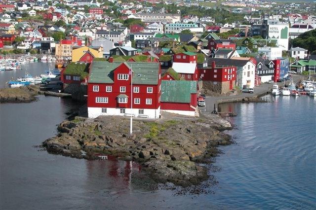 法羅群島(Faroe)是北歐國家丹麥的海外自治領地,人口約五萬,男多女少,「剩男」問題嚴重。(Erik Christensen,維基百科)