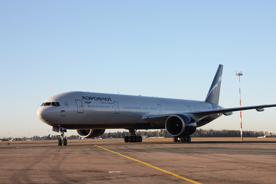 俄客機遇亂流致「空中地震」 乘客骨折