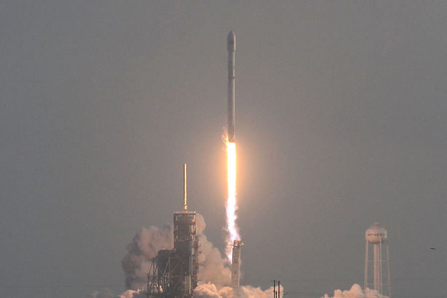SpaceX發射美機密間諜衛星 成功回收火箭