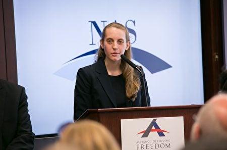 報告作者全國學者協會(NAS)研究主任Rachelle Peterson,用兩年時間對美國12所孔子學院進行調查。(李莎/大紀元)