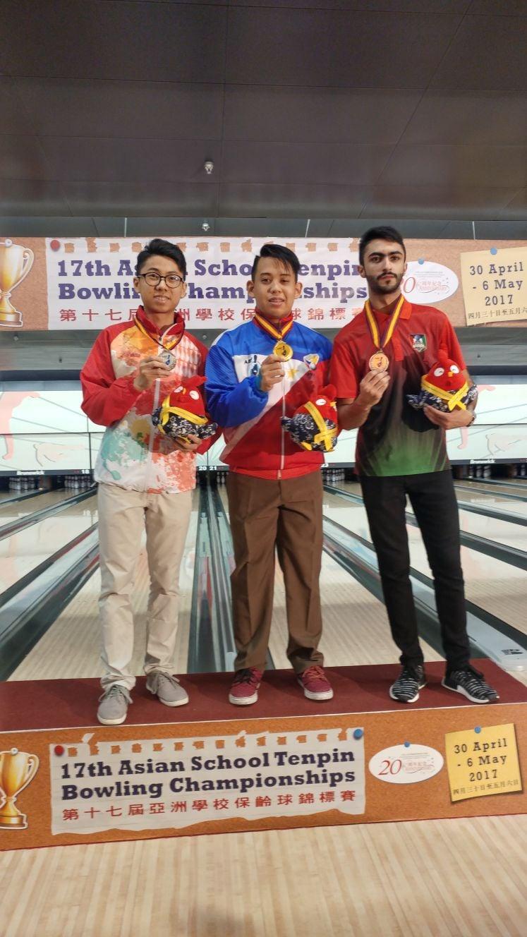 在4月30日至5月6日於南華會保齡球場舉辦的第17屆亞洲學校保齡球錦標賽中,香港隊共派出8名代表,分別參加單子單打及團體賽。(香港保齡球總會提供)