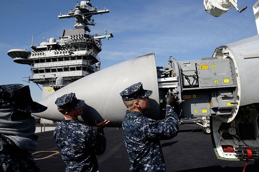 大陸專家冷傑甫認為,美國在做到仁至義盡後必向北韓開戰。中美之間因為價值觀的根本對立,不可能真正合作。圖為北韓再度核試之際,正在馳向北韓海域的美國卡爾文森號(USS Carl Vinson)航母戰鬥群。(Getty Images)