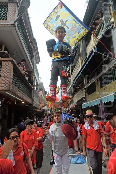 晉身國際香港體壇新星「神奇小子」曹星如(上)和勇奪世青劍擊冠軍的張家朗(下)。(宋祥龍/大紀元)