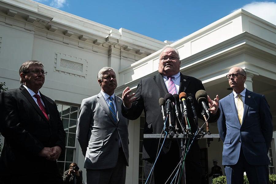 兩共和黨溫和派會晤特朗普後 支持新健保法案