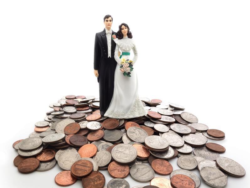 中國大陸假結婚形成了產業鏈,而為了房產選擇假離婚。只是中國傳統的婚姻觀不同于目前大陸的狀況。(Fotolia)
