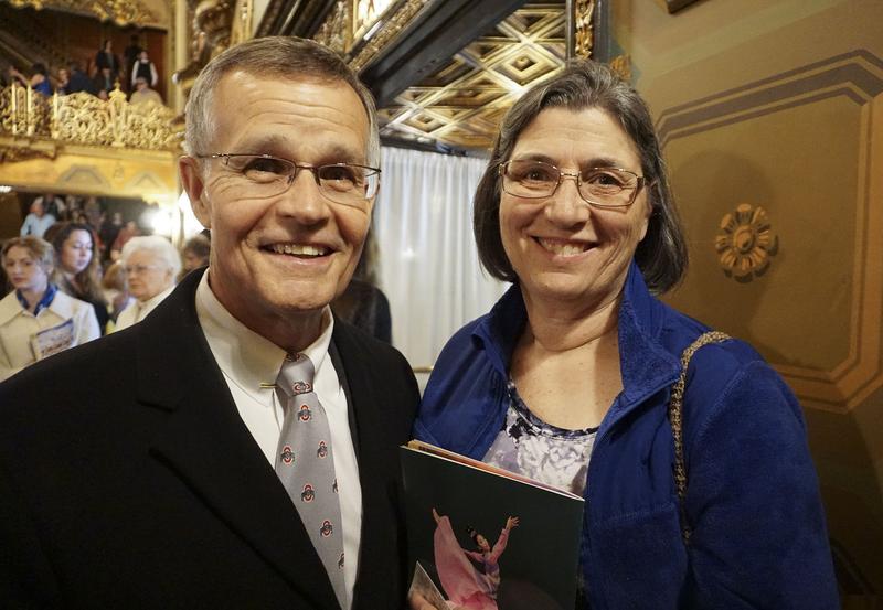 AON退休合夥人Dean Gibson和妻子、法律助理Susan Gibson(溫文清/大紀元)