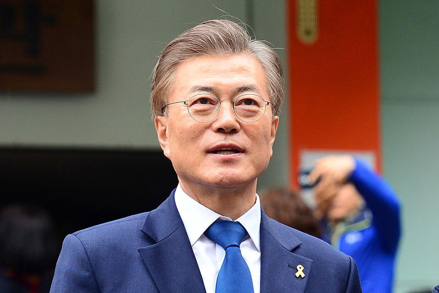 圖為有望當選南韓第十九屆總統的文在寅。(newsis)