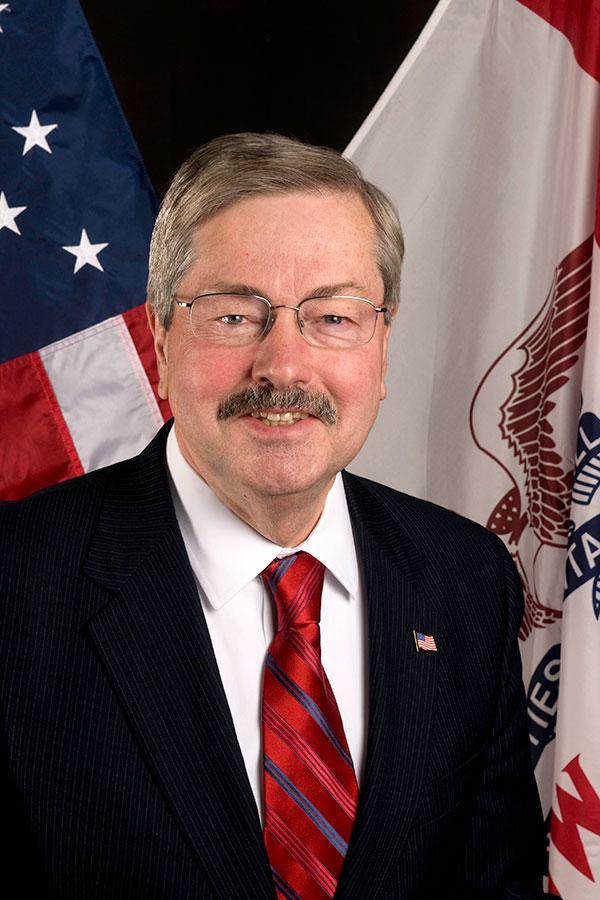 布蘭斯塔德充滿傳奇色彩。36歲就任州長,為艾奧瓦州歷史上最年輕的州長,也是目前美國當選時間最長的一位州長,總計22年。(艾奧瓦州政府網站)