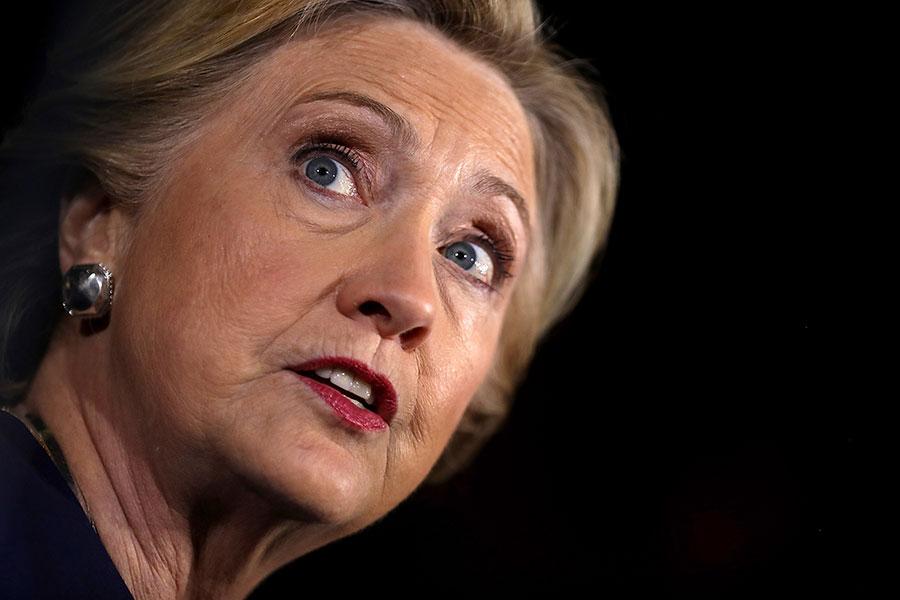 根據2014年12月希拉莉交給國務院的5萬5千頁的材料,違法電子郵件的數量約3萬封。但最近又發現更多機密電郵。(Justin Sullivan/Getty Images)