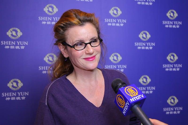 作家及電台主持人Jacqueline Roussety於5月10日在柏林觀看了神韻演出。(新唐人電視台)