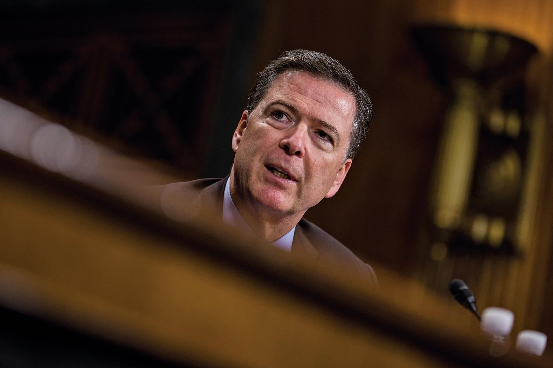 白宮捍衛特朗普總統解僱聯邦調查局局長科米的決定,說科米向司法部扔進一個炸藥包,在處理希拉莉電郵門的過程中犯下暴行。 (Getty Images)